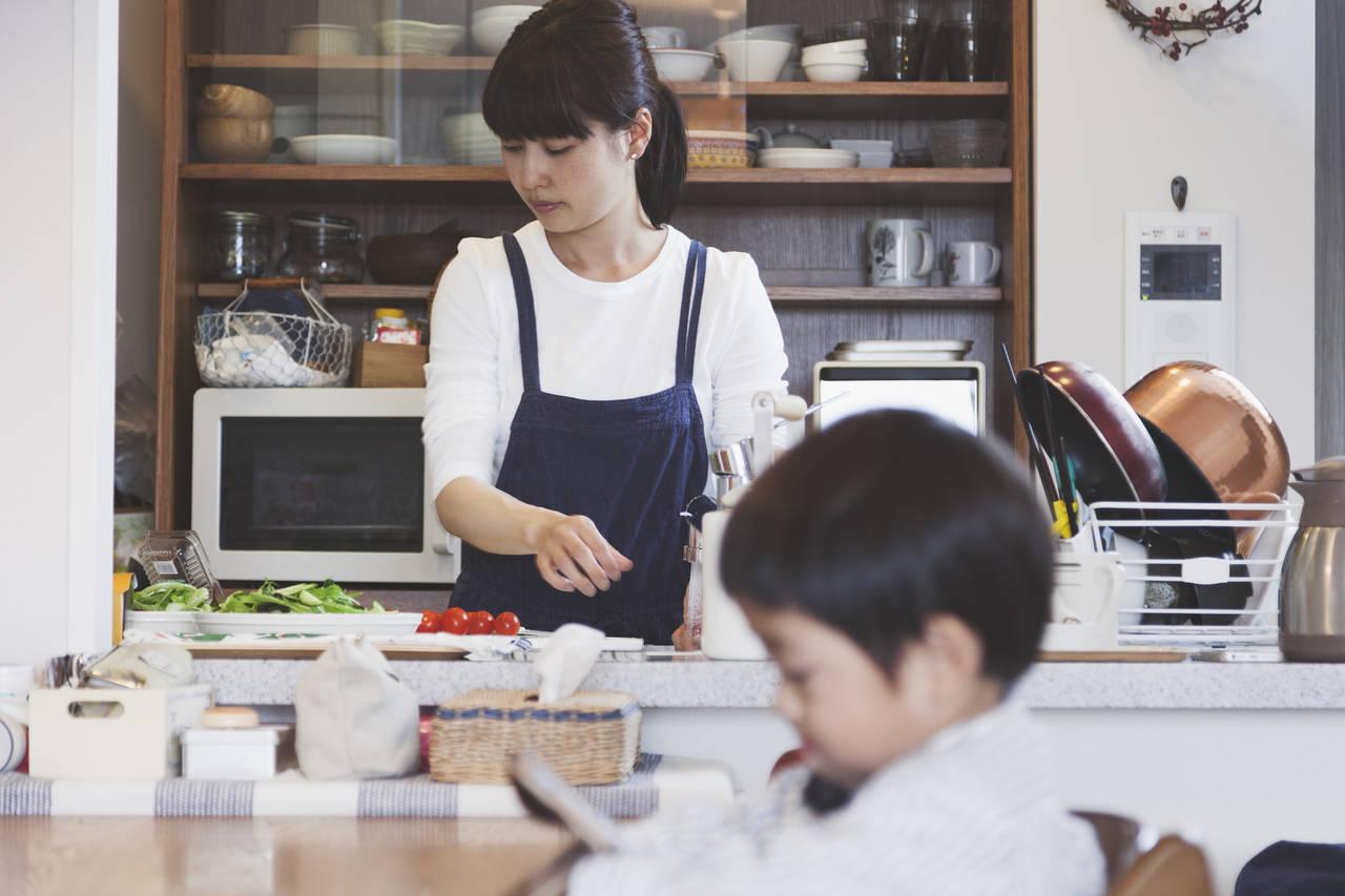 育児中に料理を手抜きするコツは?便利グッズや時短メニューを紹介