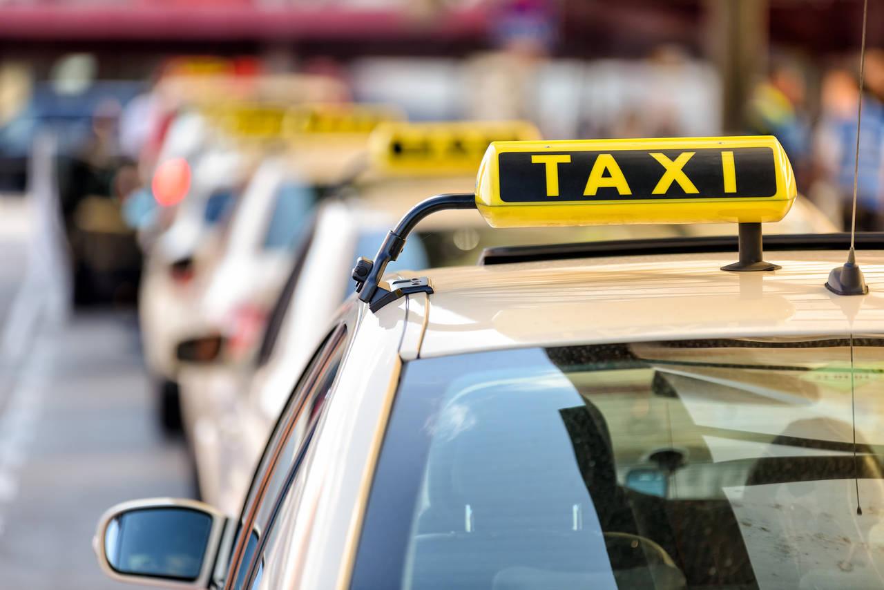 保育園の送り迎えに困ったらタクシー!園児だけで乗れるタクシーとは
