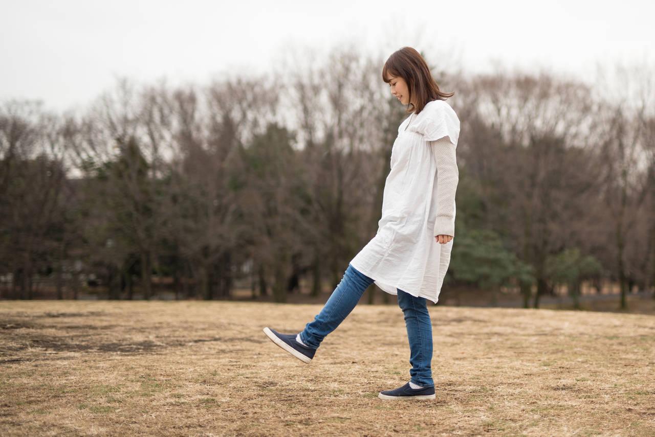 妊婦の冬の足元をオシャレに!シーンに合わせた靴選びのアドバイス