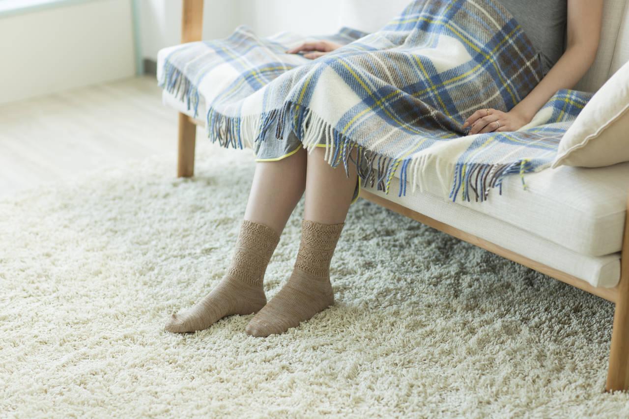 妊婦は靴下が履けないので困る!スムーズに履くための方法と対策
