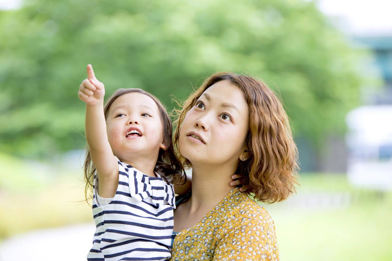 子どもが質問攻めをする理由とは?子の能力を伸ばすママの対応方法