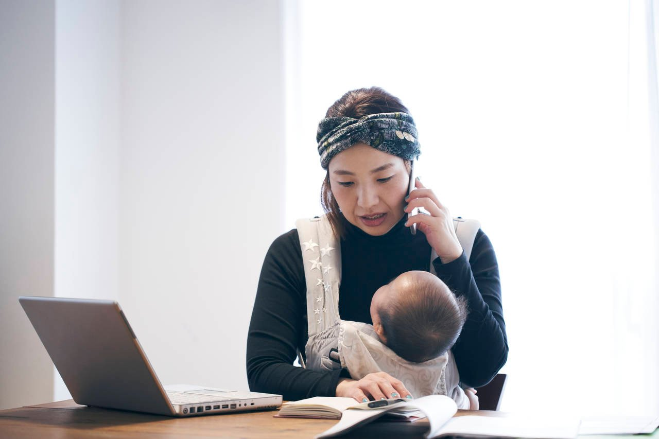 ママが在宅で起業するには?起業方法やメリットとデメリット