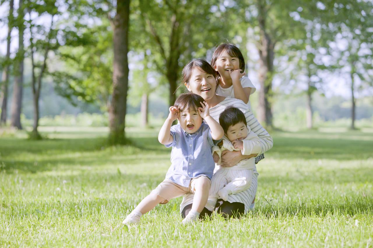 3人目が年子の産後の乗り切り方!子どもへの接し方や便利なサービス