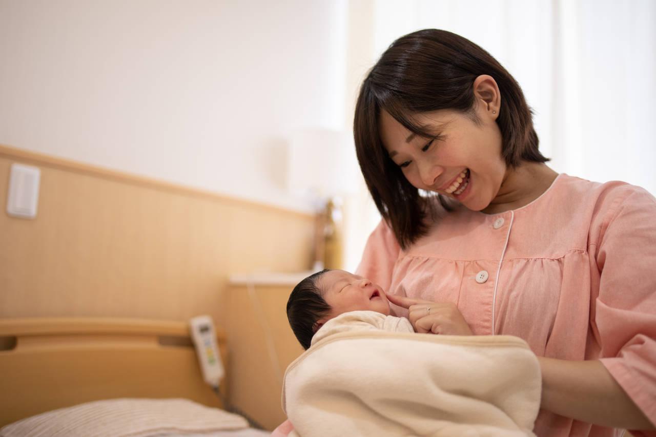 母子同室で泣く赤ちゃんへの対応は?知っておきたい対応方法と心構え