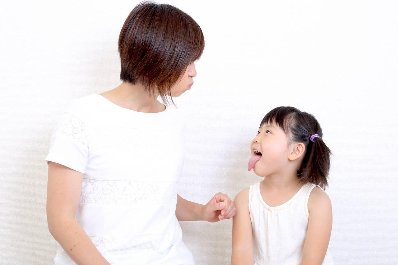子どもに口癖を真似されて恥ずかしい!子どもが真似する理由や対応策