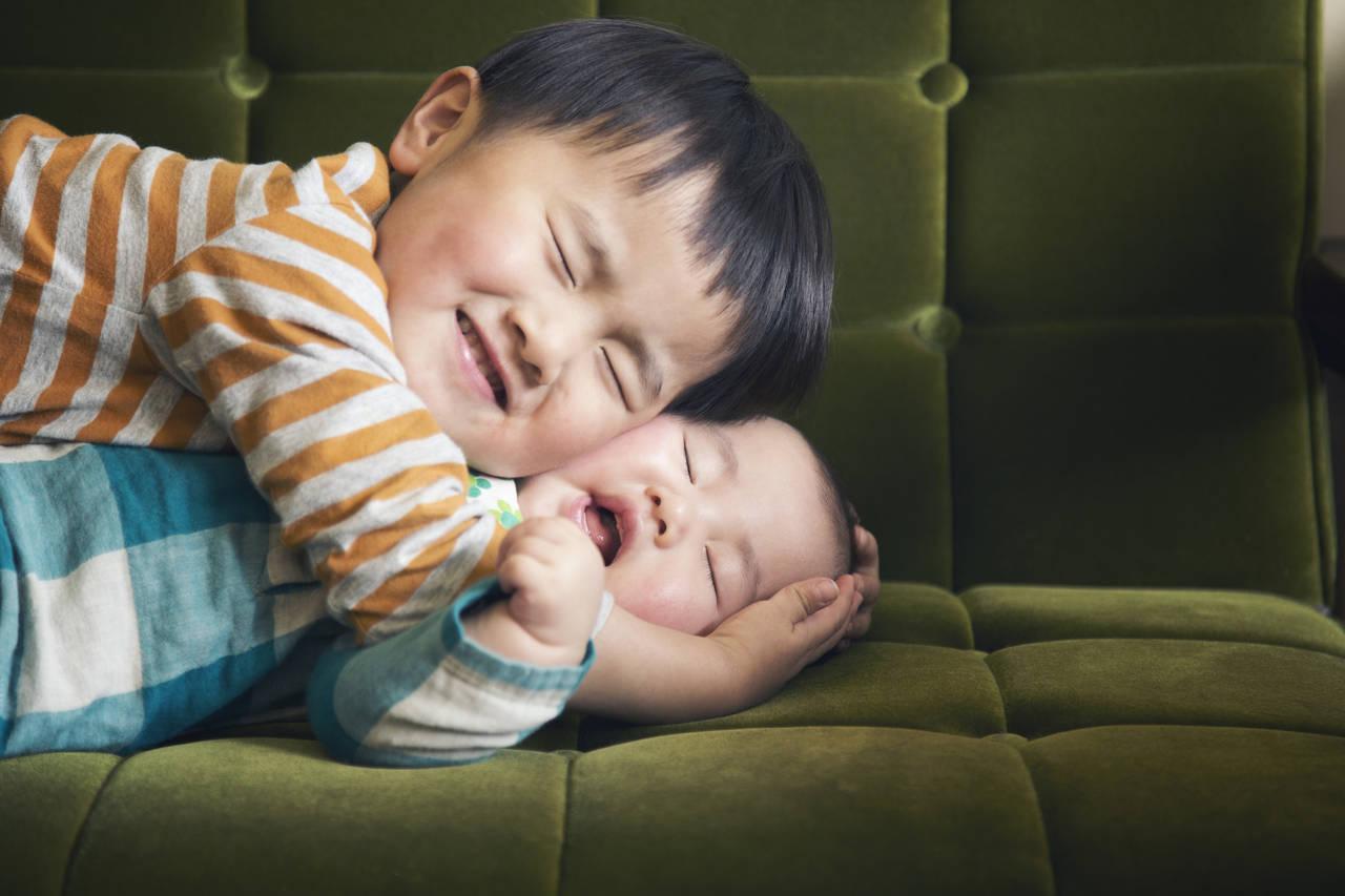下の子はおとなしいって本当?その理由と育児における注意点
