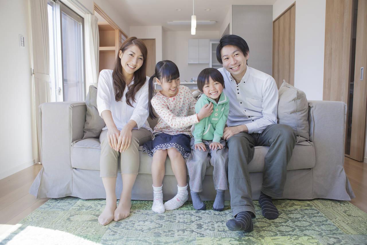4人家族で暮らす理想の間取り!子どもの成長に合わせた空間作りを