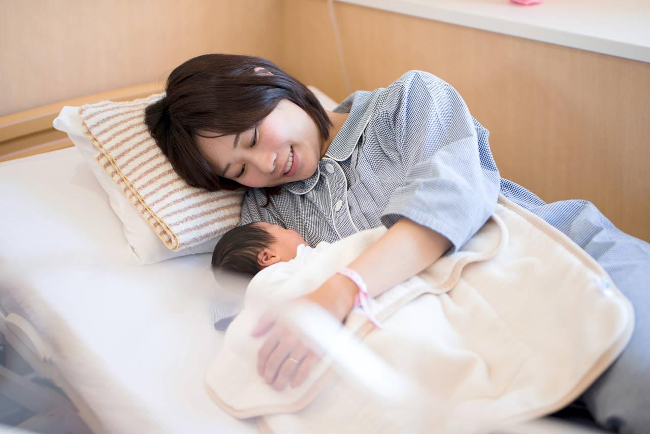 母子同室の場合にママはいつ寝る?産後の心構えと過ごし方とは