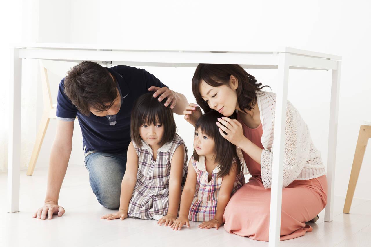地震に備えて家族で確認しよう!幼児連れの避難を想定した準備と対策