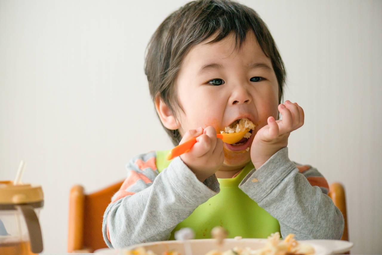 赤ちゃんとフォークの練習をしよう!事前準備や成功するためのコツ