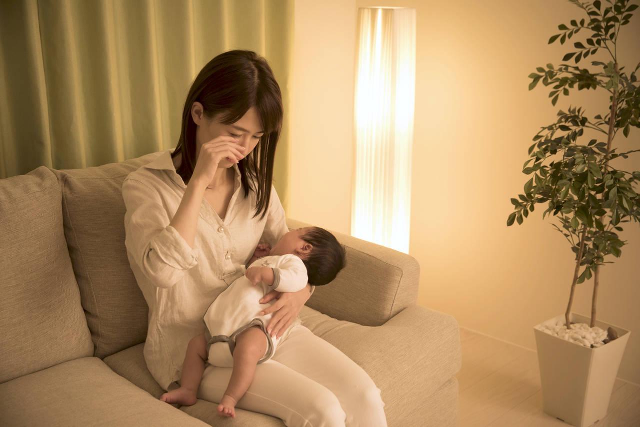新生児の育児でママは睡眠不足になる?辛い時期を乗り越える対処法
