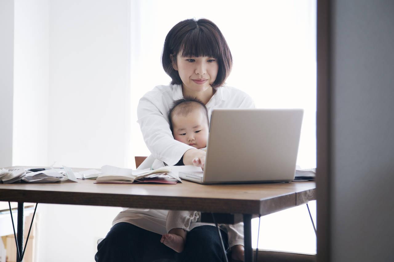 在宅ワークで暮らすママの日常!タイムスケジュールや両立のコツ
