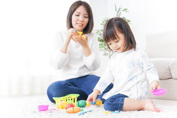 見立て遊びとごっこ遊びの違い!親子で楽しむポイントや効果を知ろう