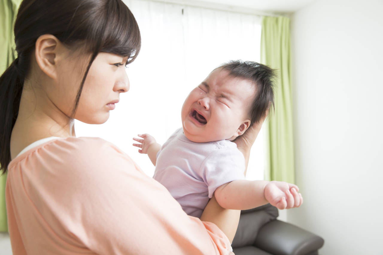 赤ちゃんの機嫌が悪いのは差し乳だから?特徴や授乳中に怒りだす理由