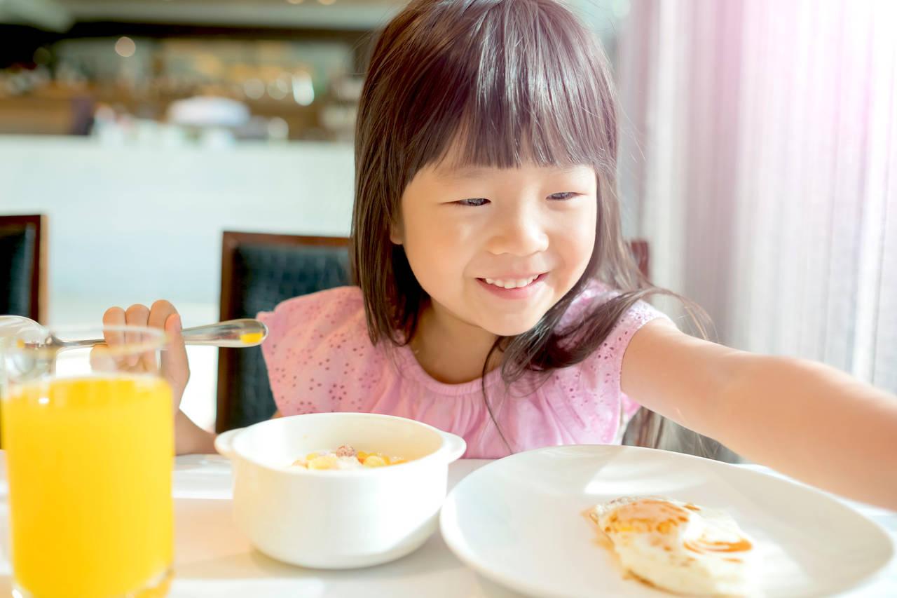 6歳児にスプーンの持ち方を教えよう!箸や鉛筆がうまくなる利点も