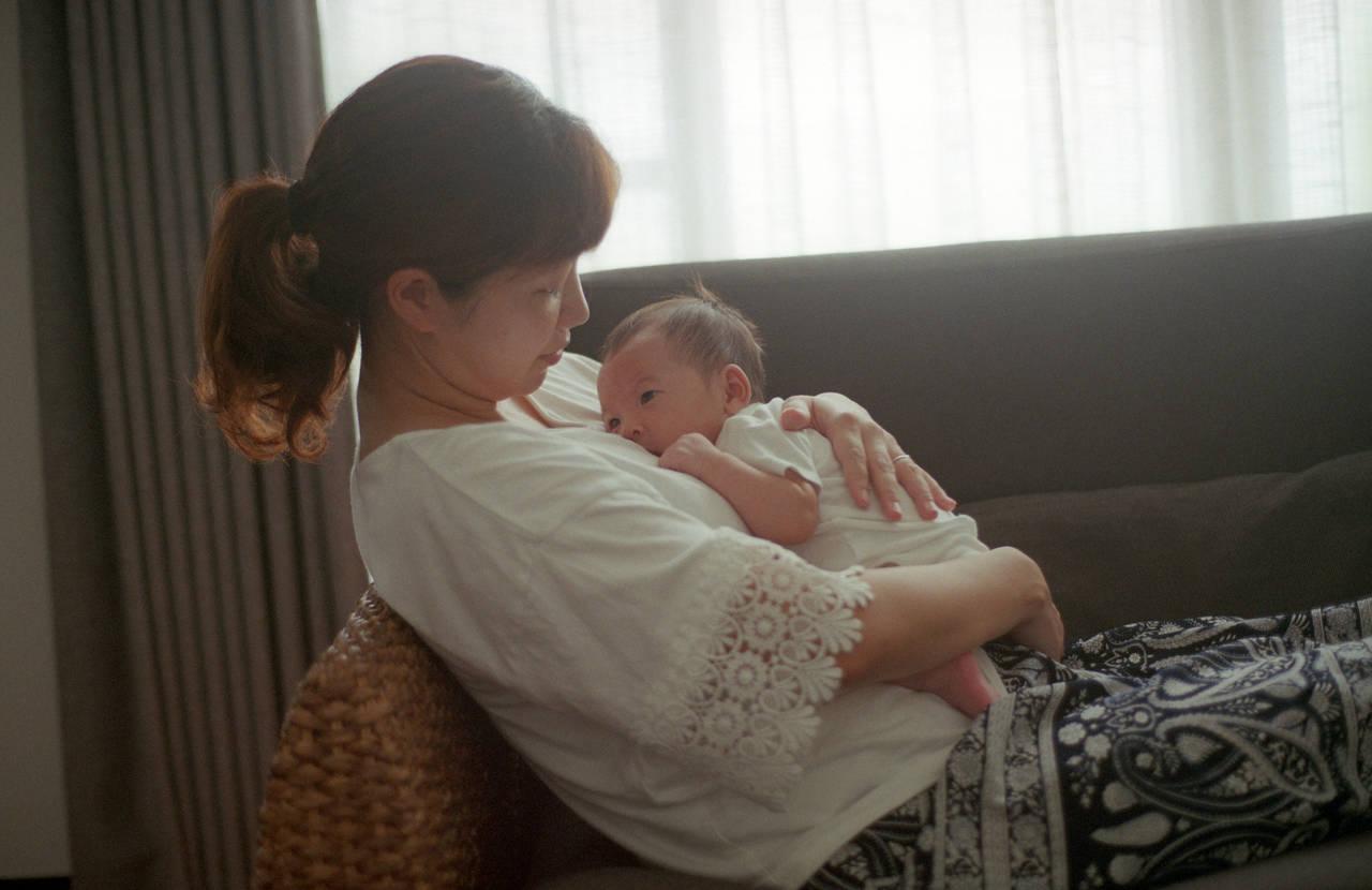 出産後の読書は目によくない?産褥期の目のケアや読書との向き合い方