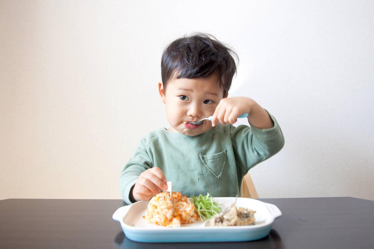 3歳の食べ方のしつけは焦らずに!楽しく食事マナーを身につけよう
