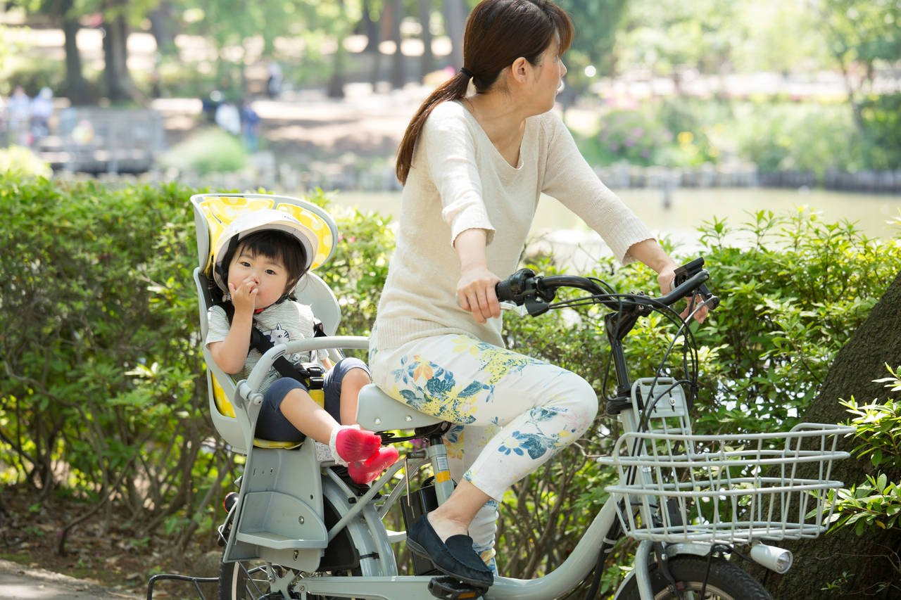 子乗せ電動自転車は運転が楽!選ぶときのポイントや必要なグッズ