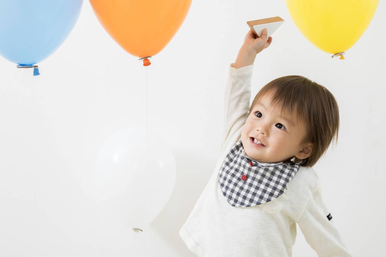 2歳の子どもの遊び方は幼い。親子遊びと成長に効果的な遊び