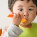 1歳児とフォークの練習をしよう!選び方や嫌がるときの対処法