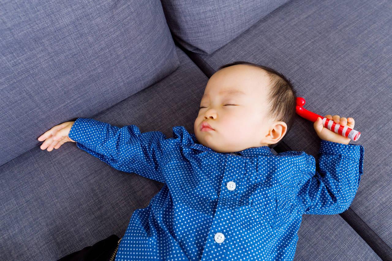 赤ちゃんはどうして寝相が悪いの?動く理由を知って眠りやすい環境に