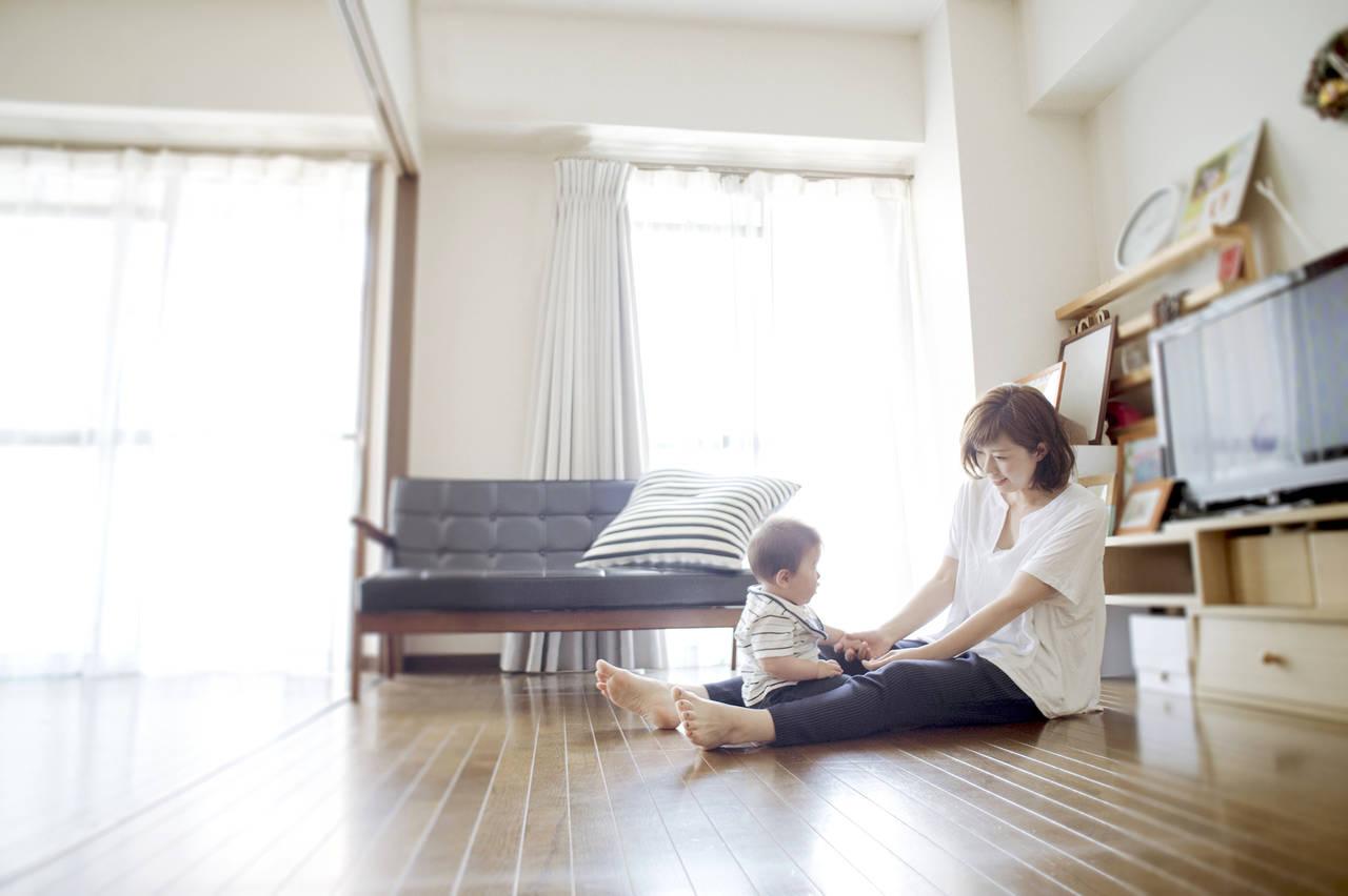育児休暇や育児休業給付金って?手続き方法や制度利用時のポイント