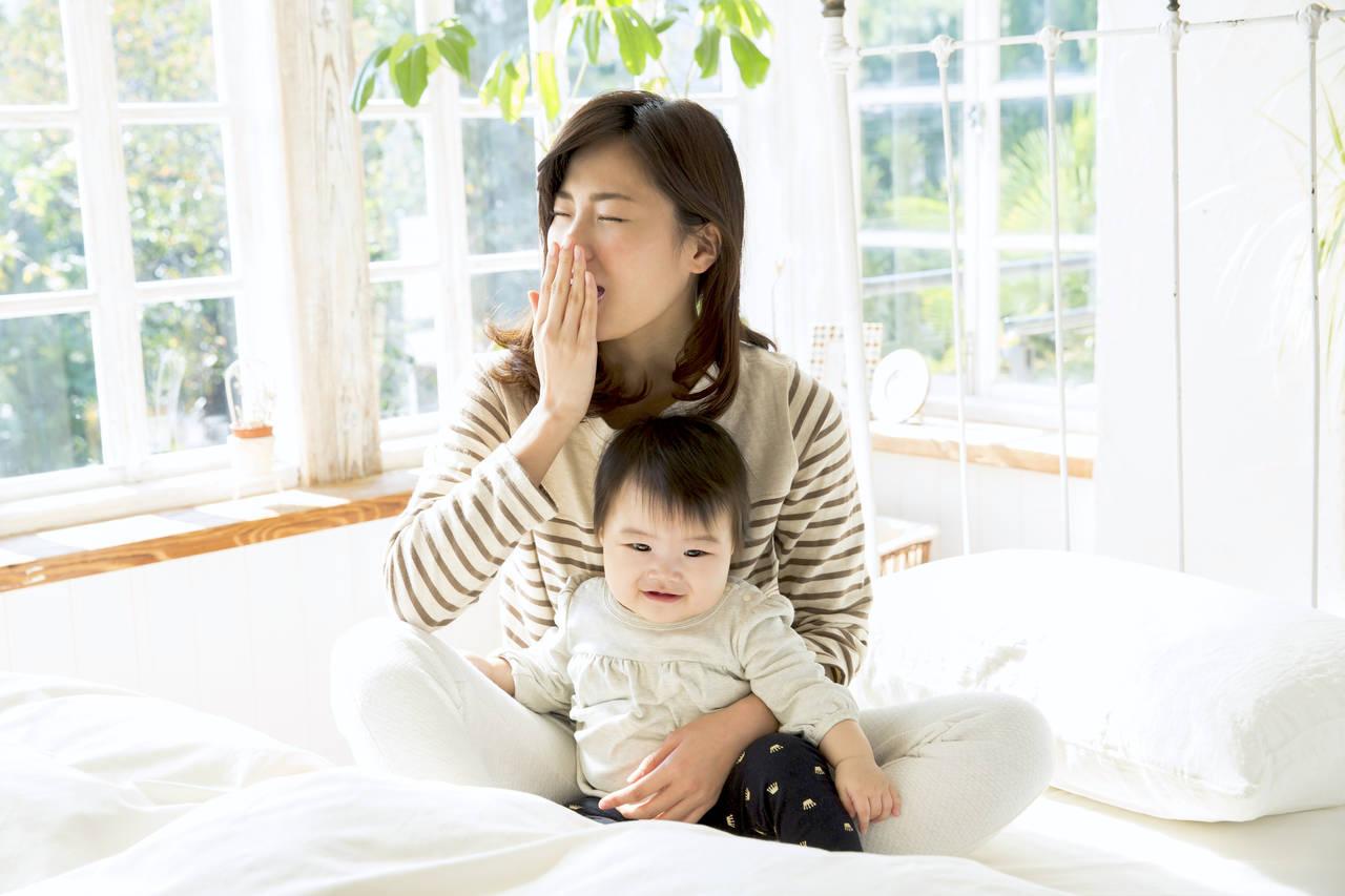 赤ちゃんのお世話でママが寝不足に!及ぼす影響と対処方法を知ろう
