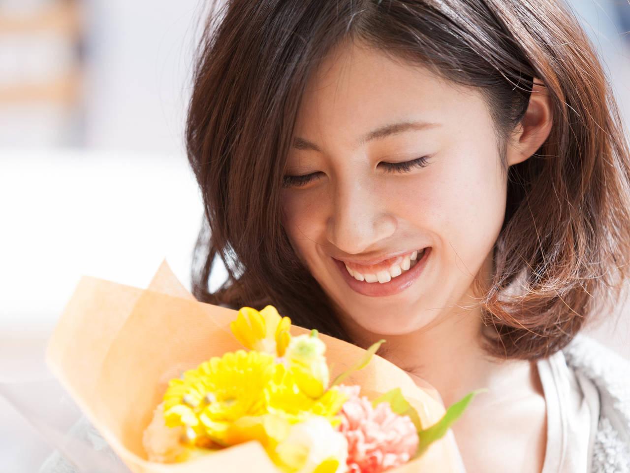 結婚記念日に花のプレゼント!おすすめの花の種類やアイテム