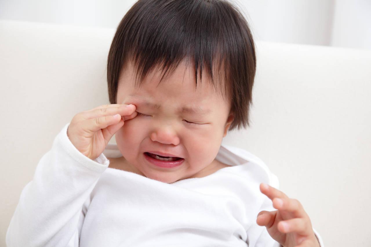 1歳児の睡眠退行はなぜ起こるの?生活リズムや寝室環境を整えよう