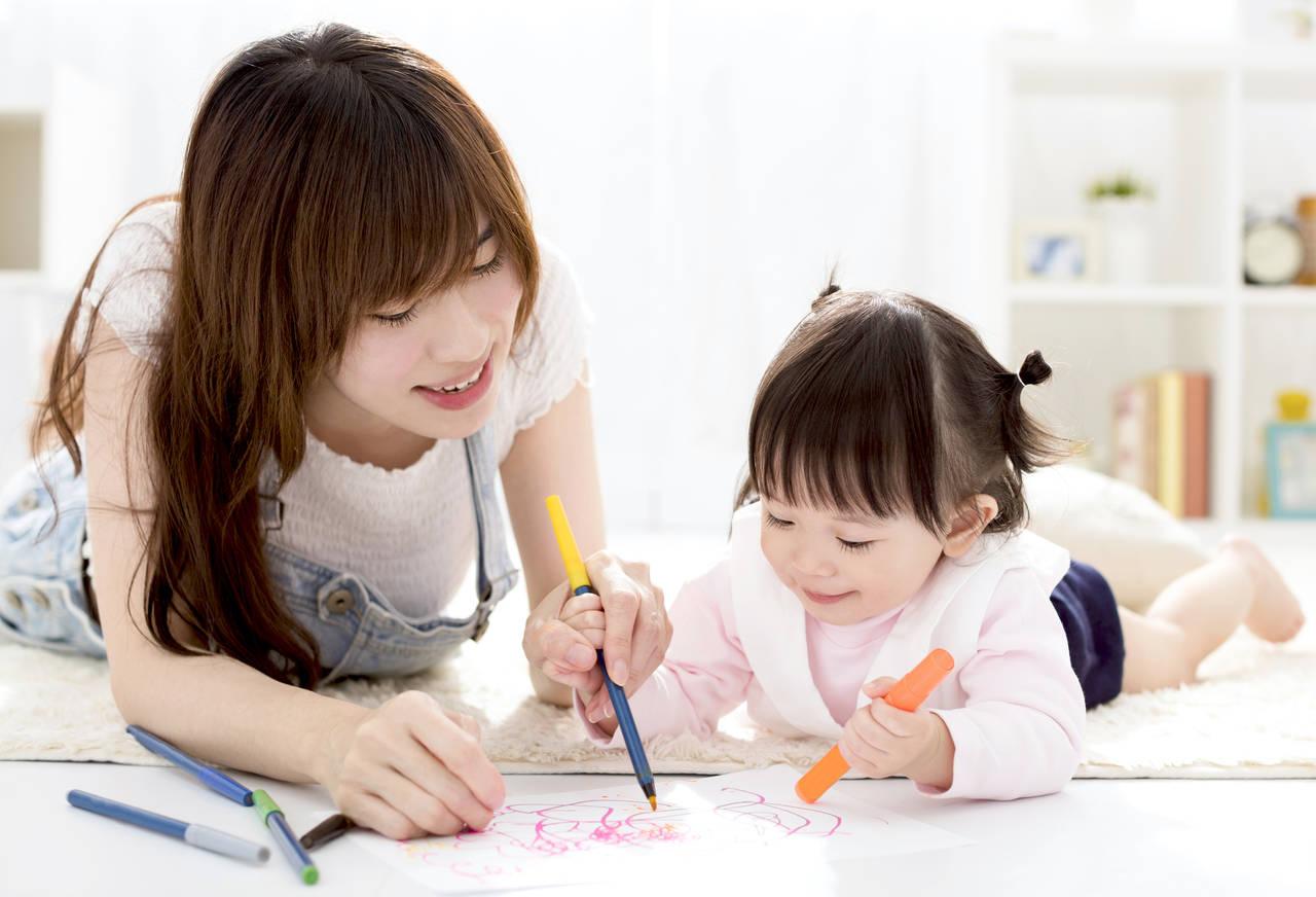 子どものお絵描き遊びの効果とは?ママは子に絵の楽しみを伝えよう