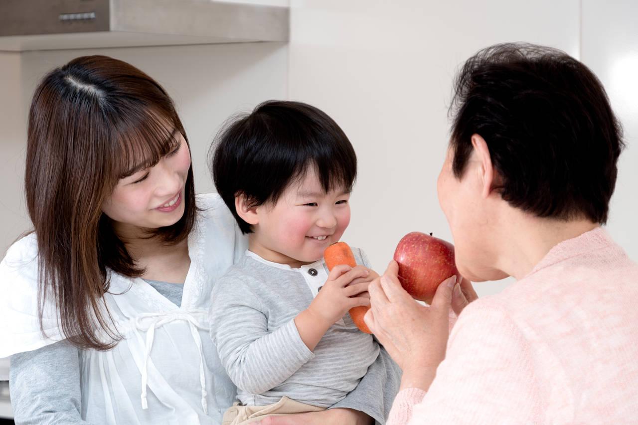 姑との関係で心がけたいこと。息子や孫に過干渉な姑との関わり方