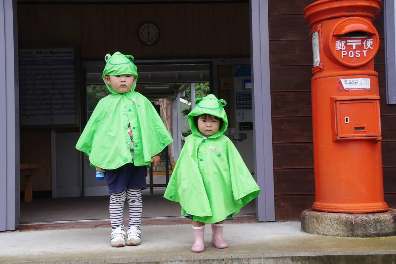 雨の日に年子と楽しく過ごす方法!外出のコツからおうち遊びまで