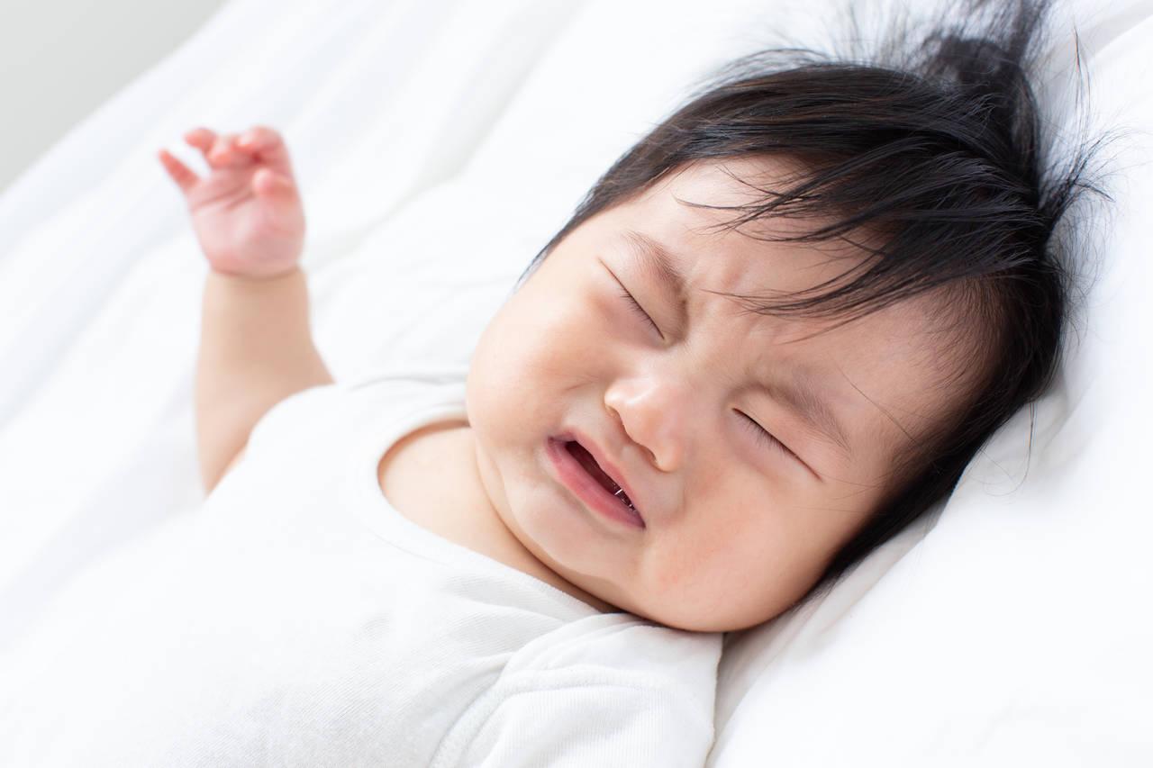 生後6カ月の赤ちゃんの寝ぐずりとは?原因やママの対応方法を知ろう