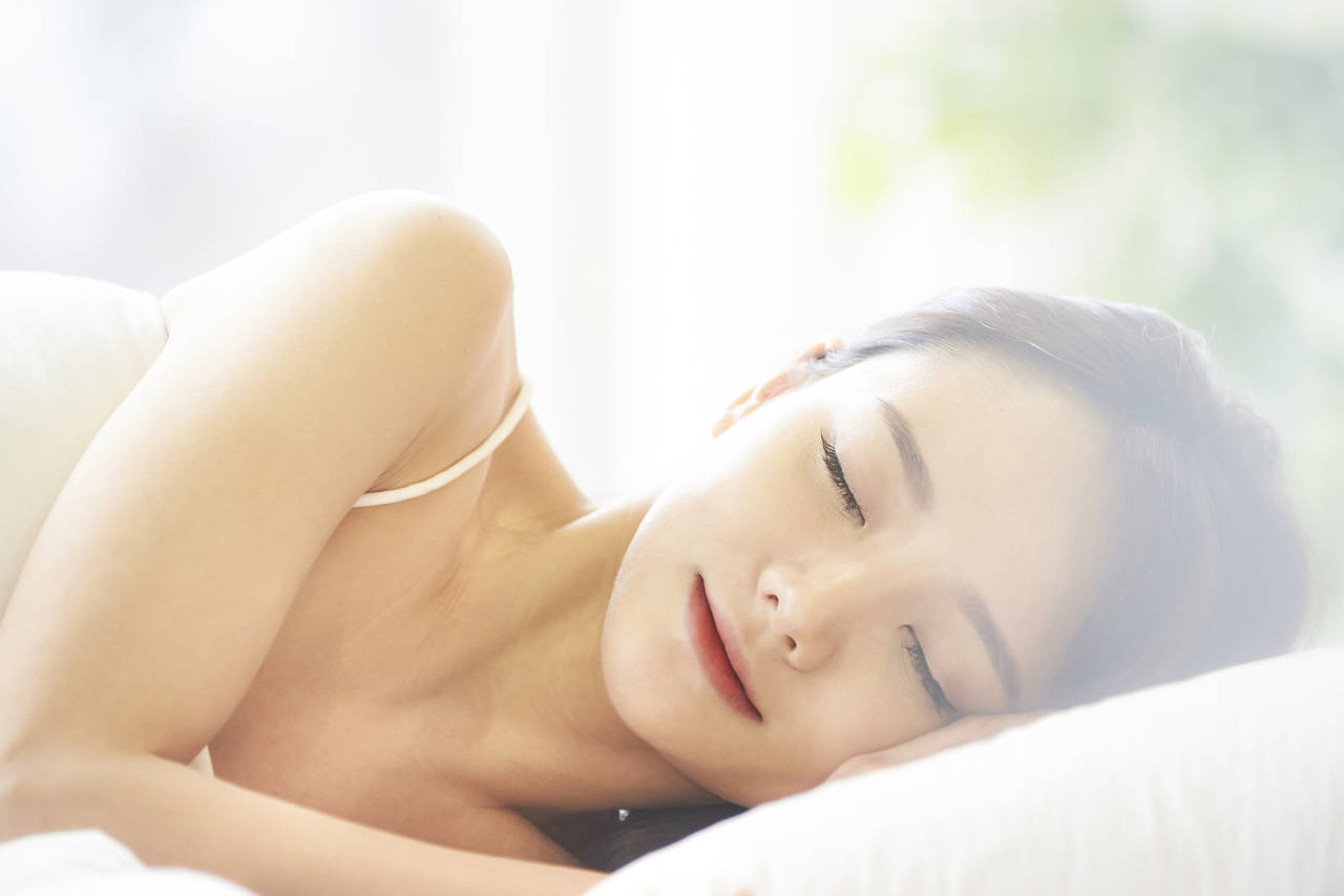 質のよい睡眠はバストアップを促す!よく眠るコツと心がけたい習慣
