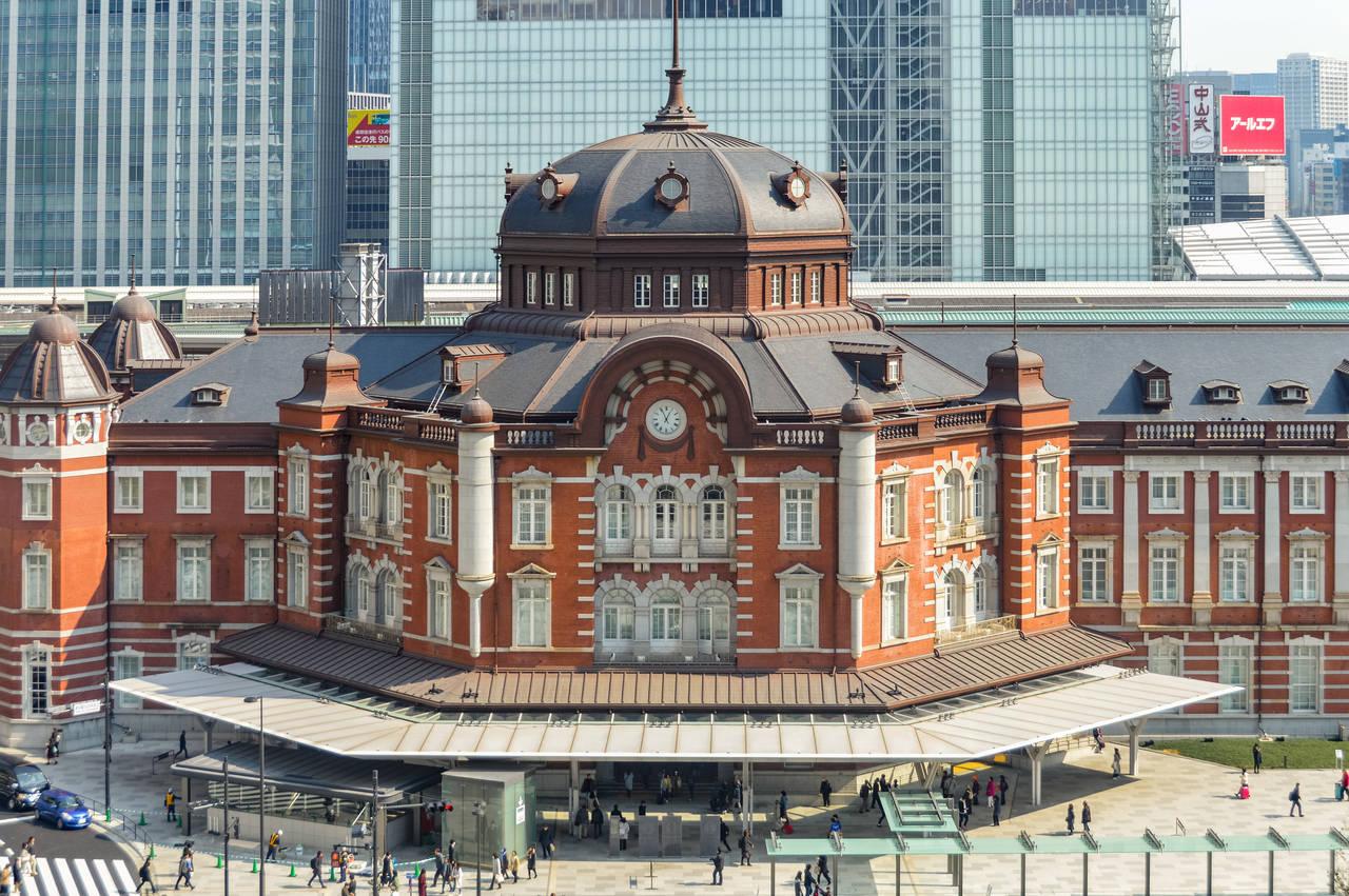 ベビーカーを利用しながら東京駅へ。子どもと一緒に息抜きタイムを
