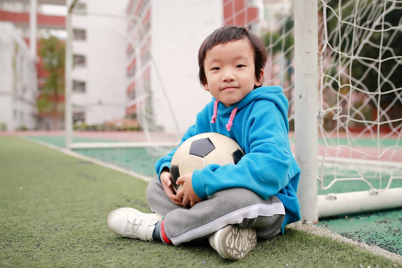 サッカーを習いたい男の子に!メリットや教室の選び方とは