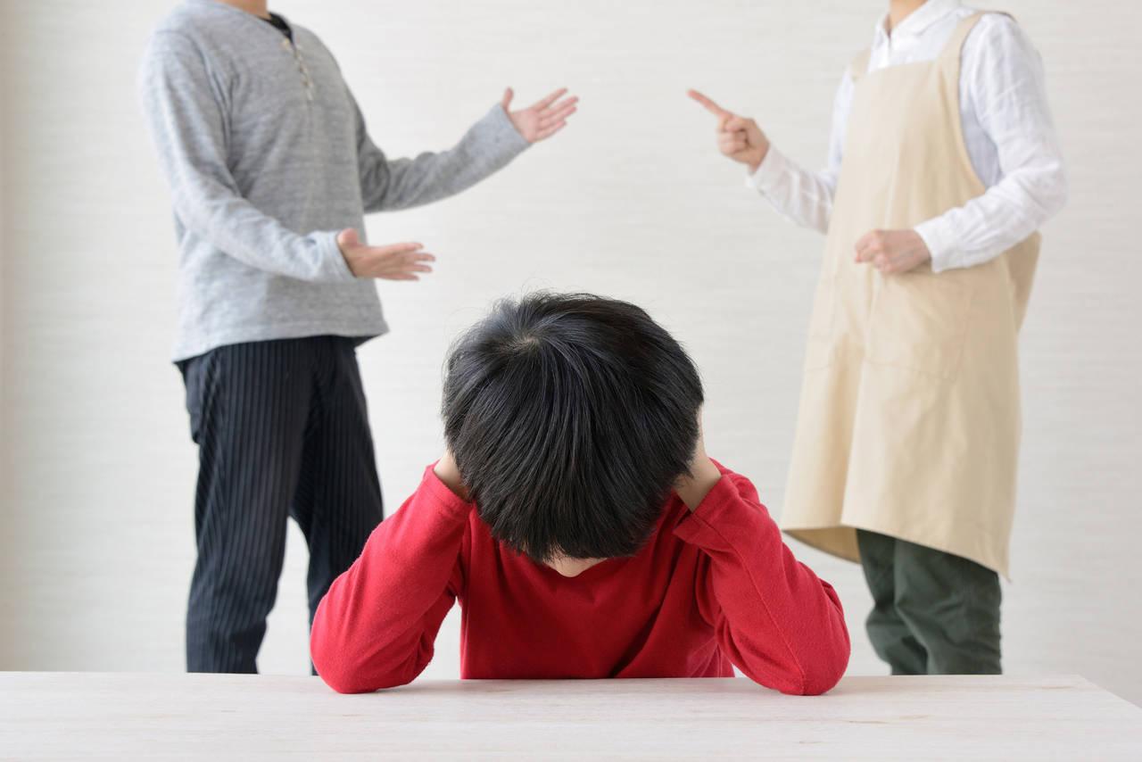 パパとの大喧嘩で子どもに悪影響?喧嘩の理由や仲直りする方法を紹介