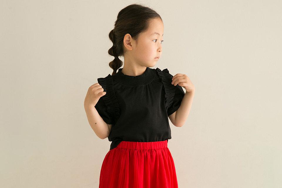 女の子が挑戦したい差し色コーデ!春夏に取り入れたいカラーやコツ