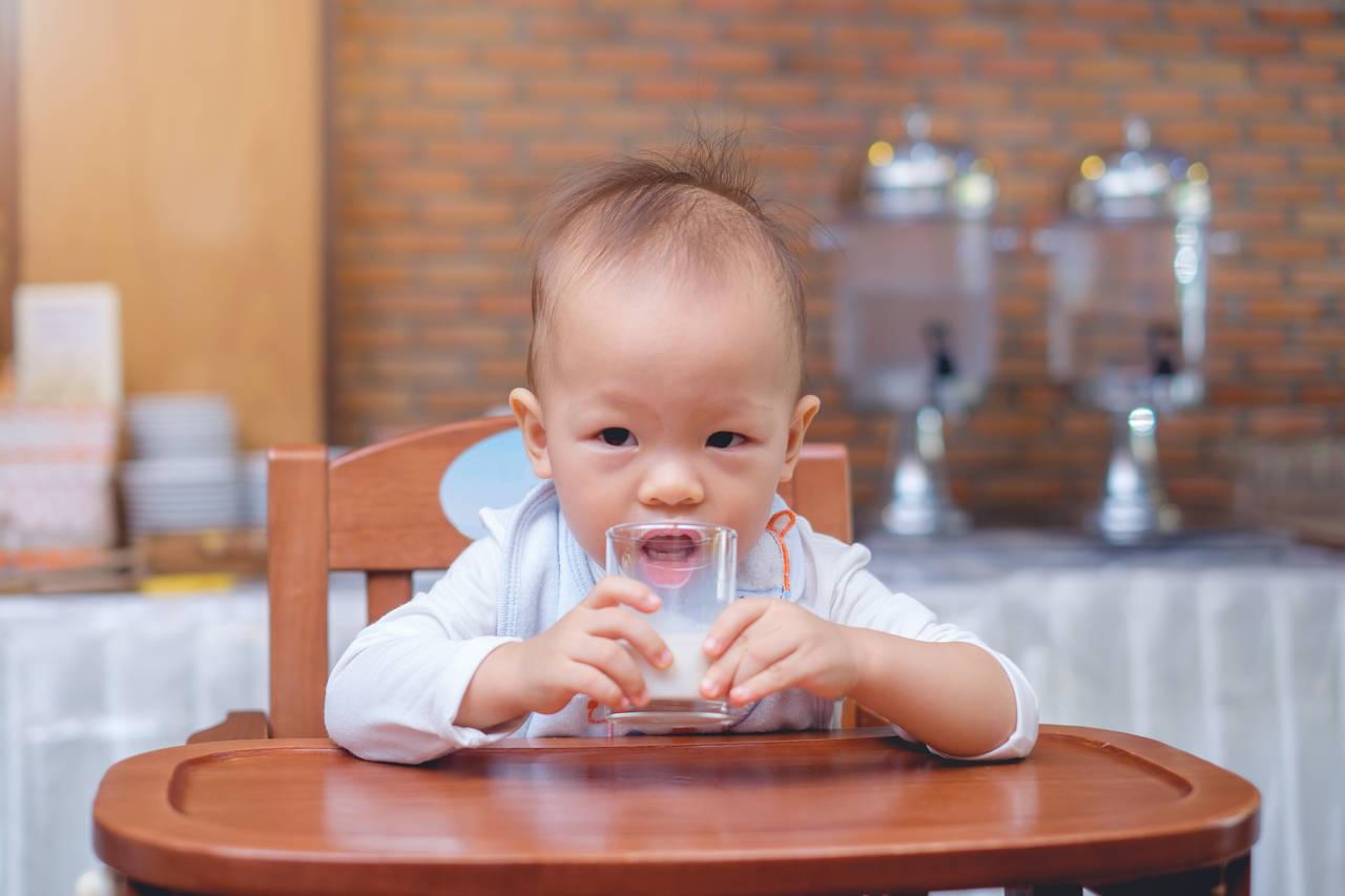 離乳食にフォローアップミルクをプラス!使い方を知り栄養をサポート