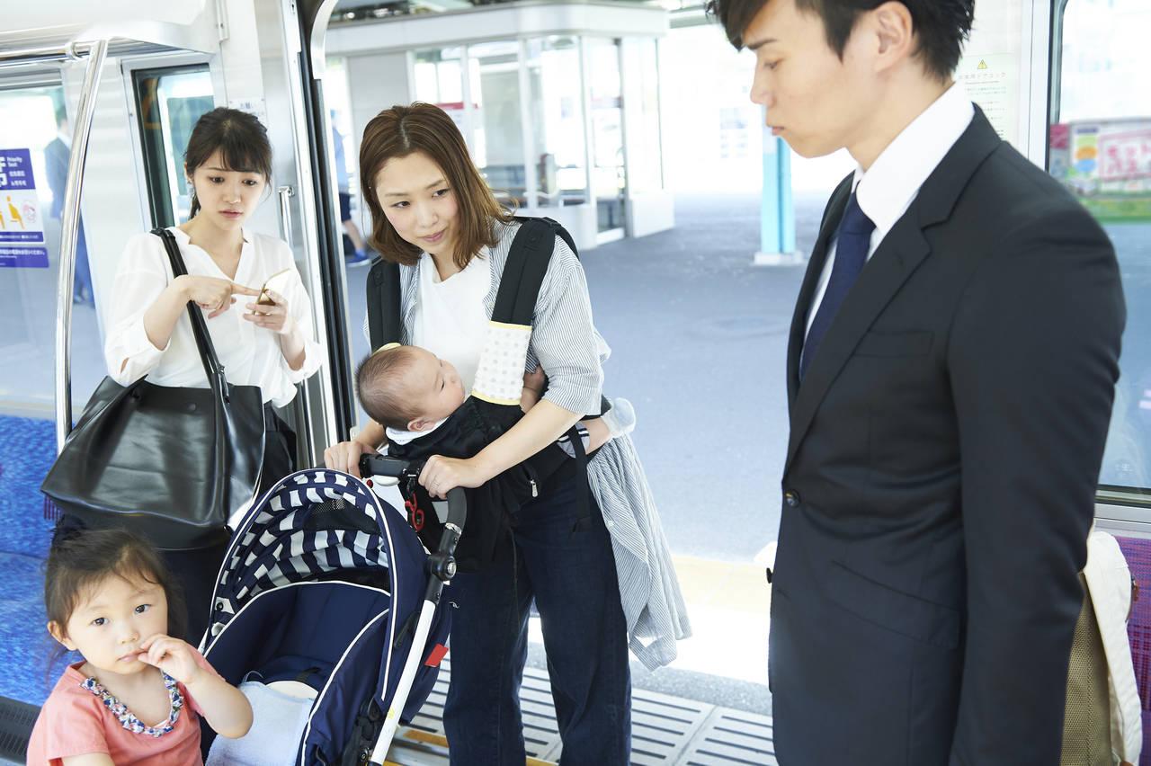 年子の子どもを連れて電車でお出かけ!用意するものや気をつけること