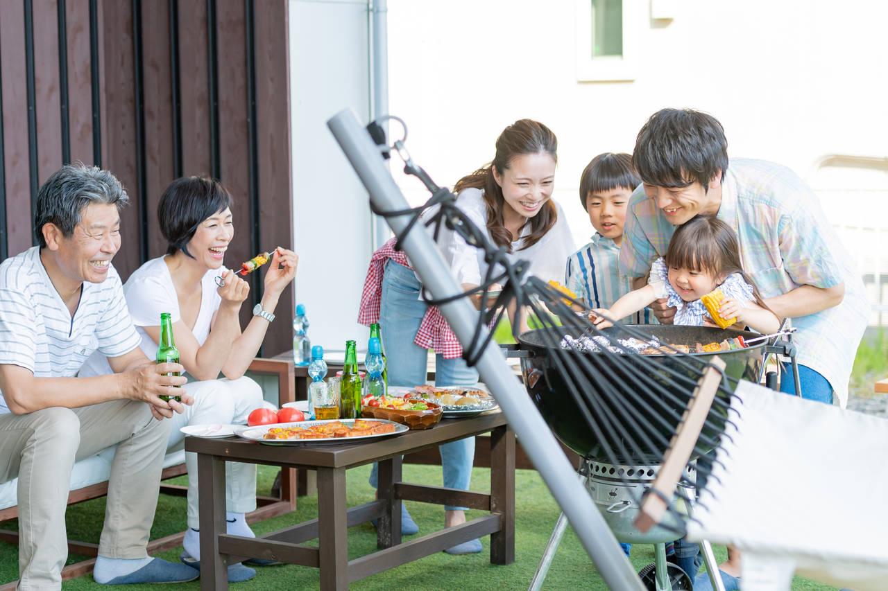 庭でバーベキューは大変?子どもと一緒に楽しむアウトドア時間