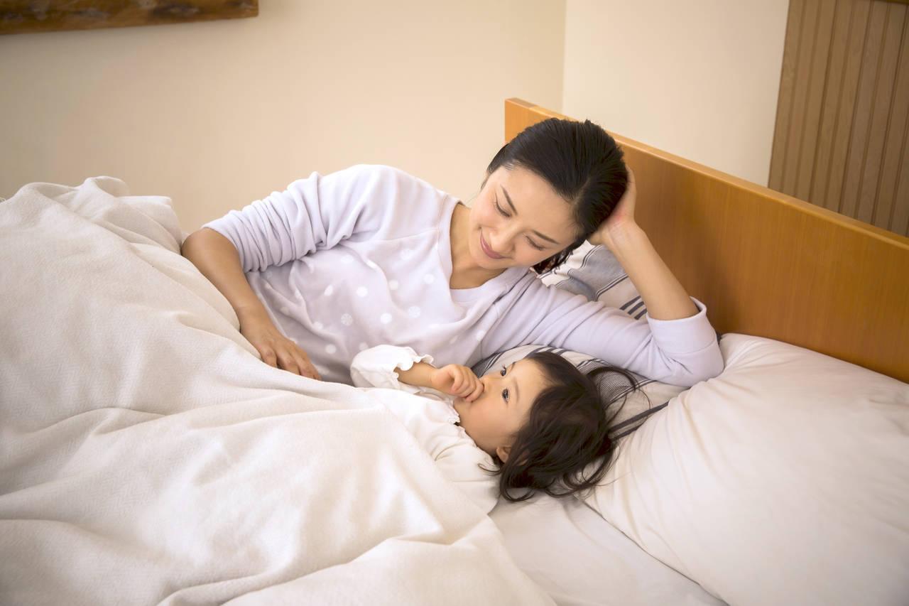2歳児の理想の睡眠時間とは?お悩み別対処法と早寝早起きのコツ