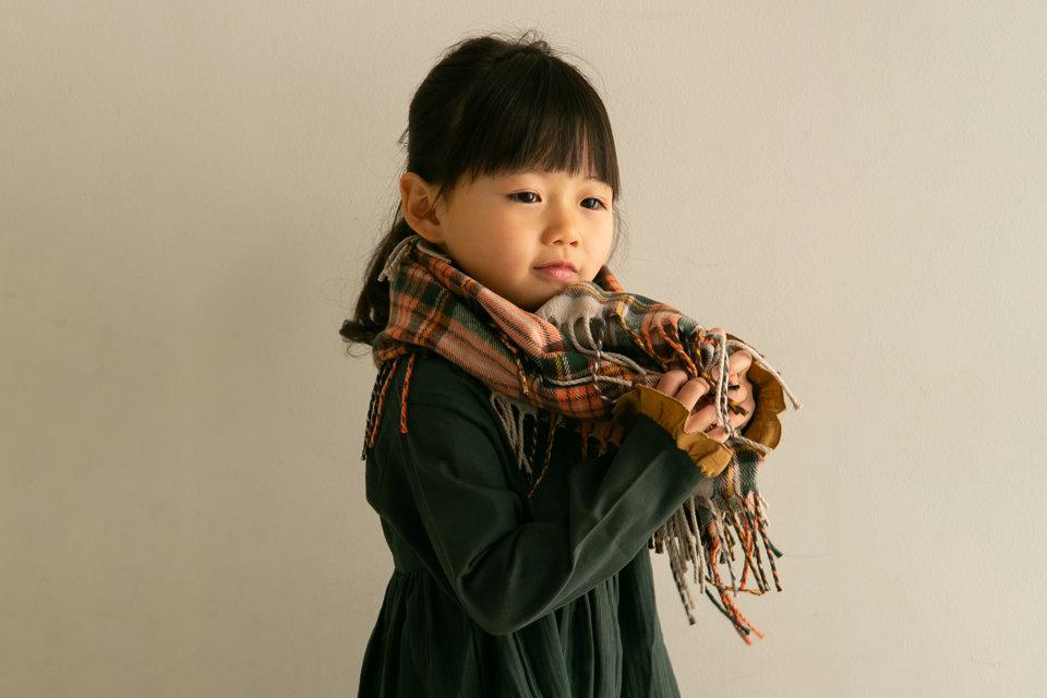 おしゃれな女の子の差し色コーデ!秋冬ファッションを元気にするコツ