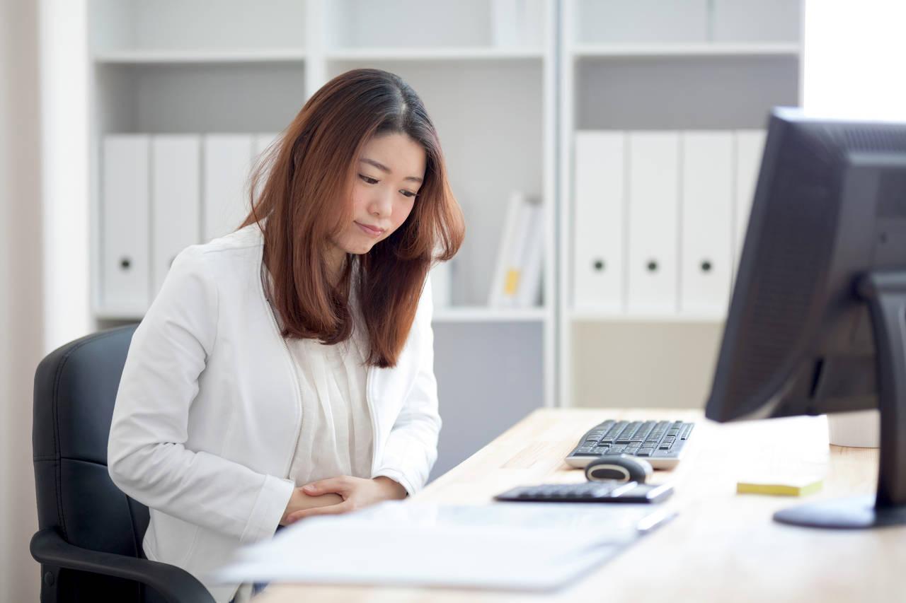 仕事のストレスで生理が遅れる。生理のメカニズムと生理不順の対処法