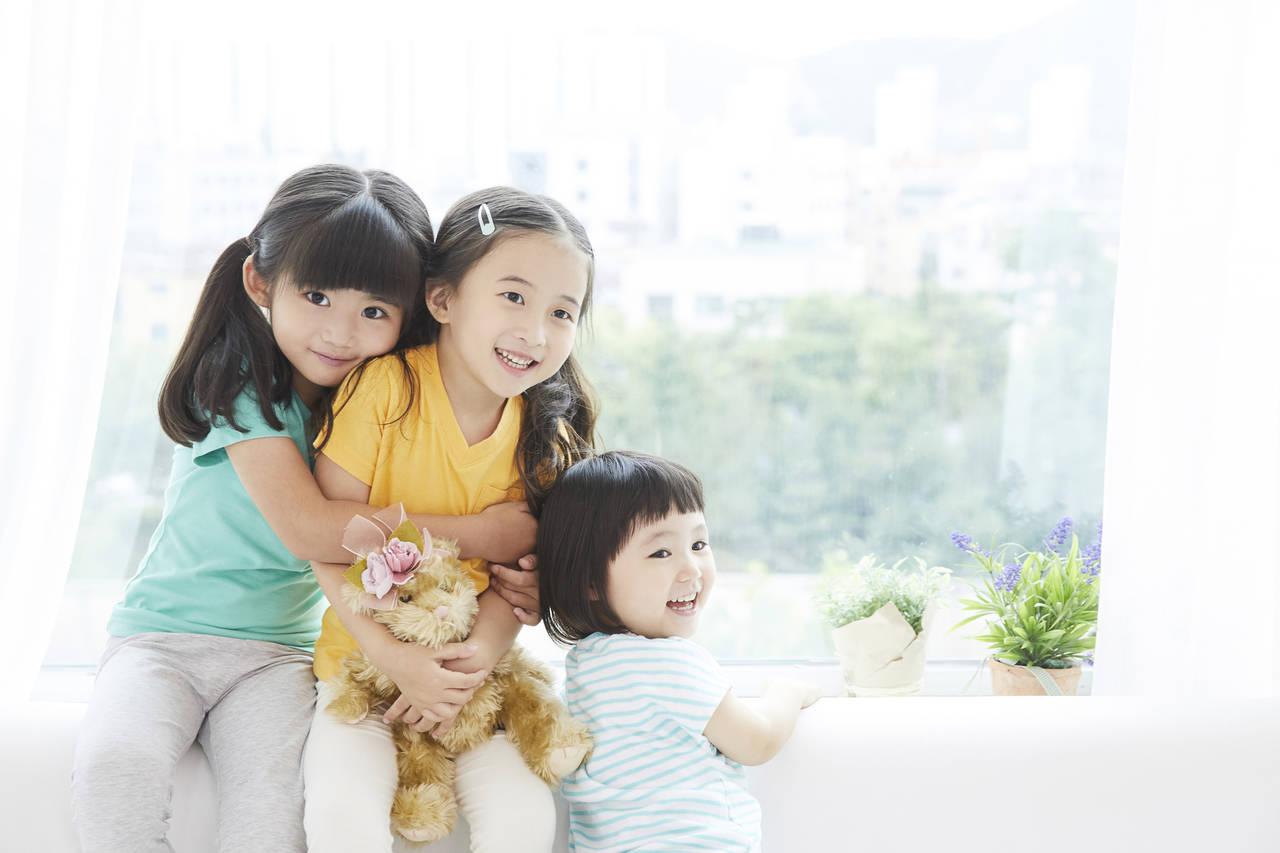 三姉妹の真ん中っ子の特徴とは?中間子の個性を上手に伸ばす育て方