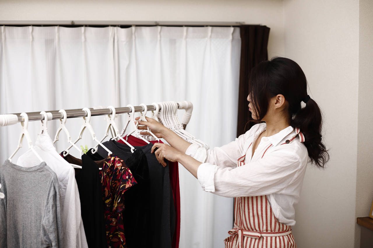 陰干しに適した洗濯物や干し方とは?子どものハウスダスト対策にも
