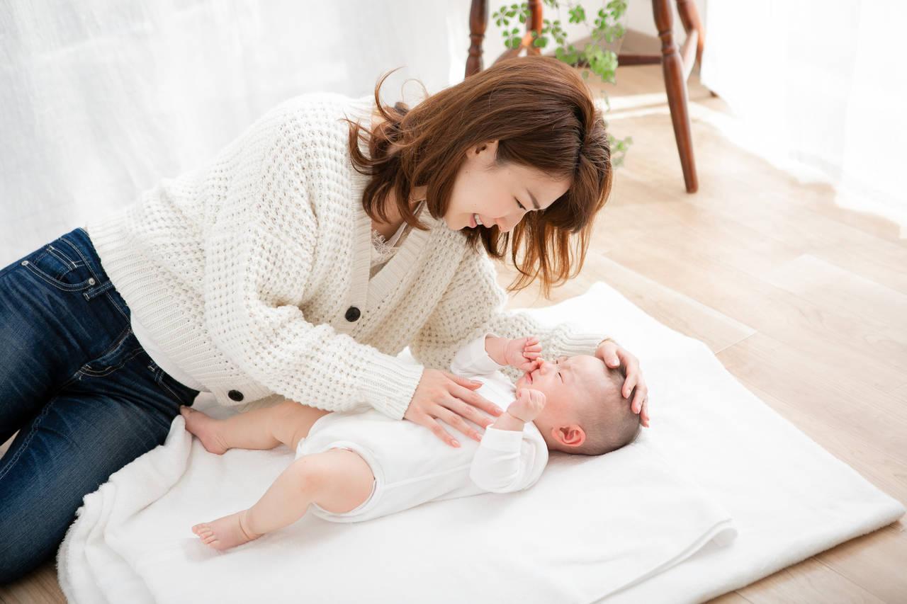 生後4カ月の寝ぐずりの原因は?赤ちゃんに合った対策や対処の方法も