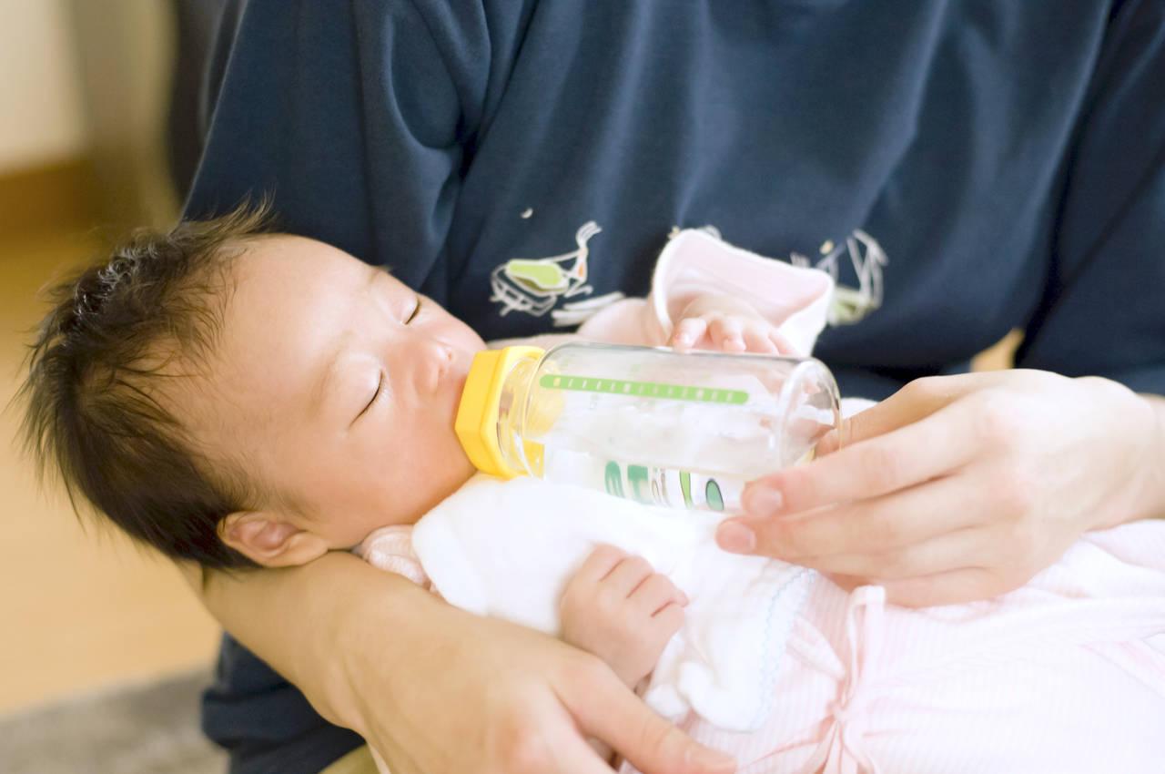 沐浴後の授乳のタイミングは?授乳以外の水分補給に使える飲み物も