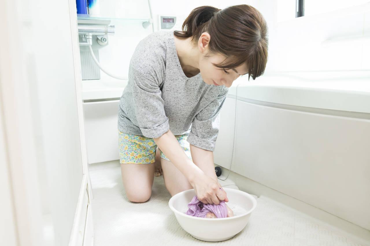 血液汚れの洗濯は水の温度に注意!血液をきれいに落とす方法とは