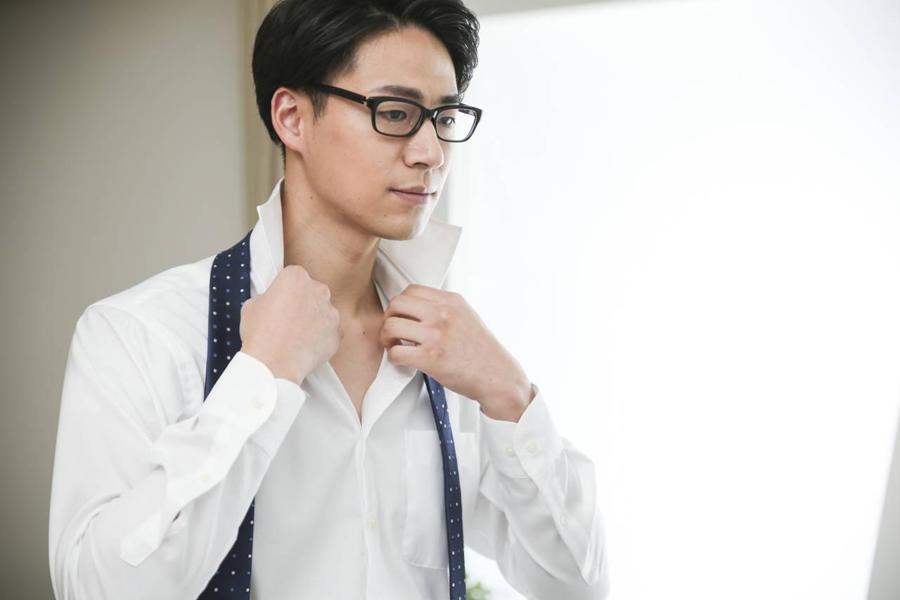 ワイシャツの襟汚れを取りたい!パパのお仕事服をキレイに保つテク